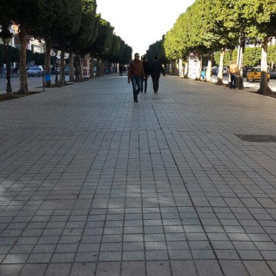Photo taken at Avenue Habib Bourguiba I شارع الحبيب بورقيبة by Slaiem J. on 2/15/2014