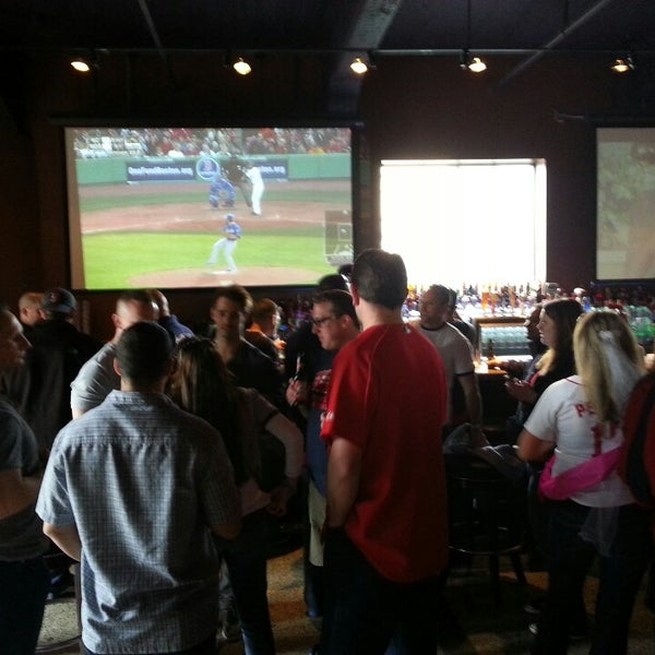 Photo taken at Cask 'n Flagon by Jace C. on 4/20/2013