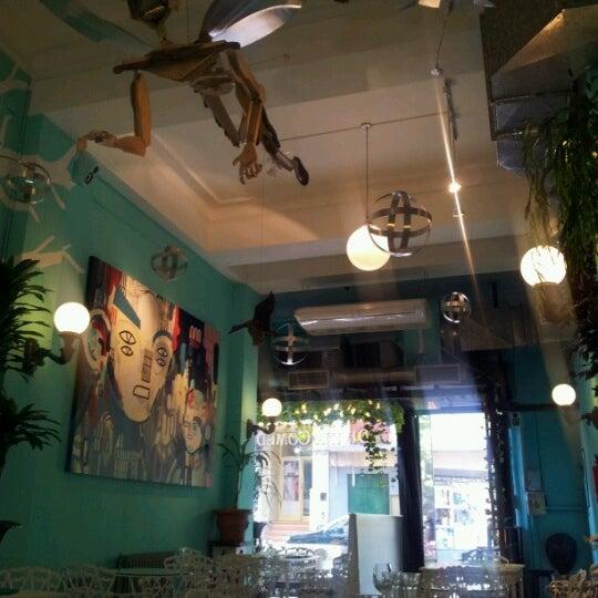 Photo taken at Las cosas como son by Lorena on 11/27/2012