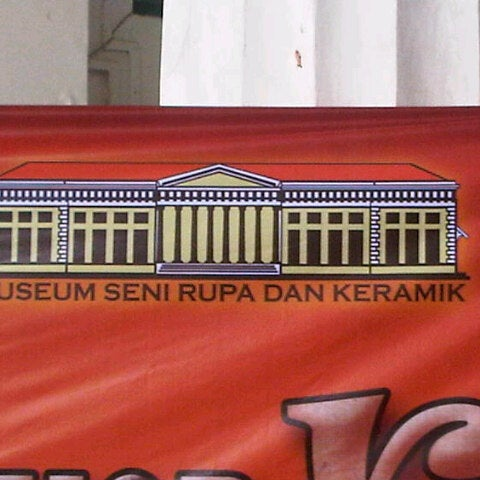 Photo taken at Museum Seni Rupa dan Keramik by Idfia Nur S. on 5/8/2013