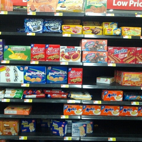 Photo taken at Walmart Supercenter by Luis S. on 10/17/2012