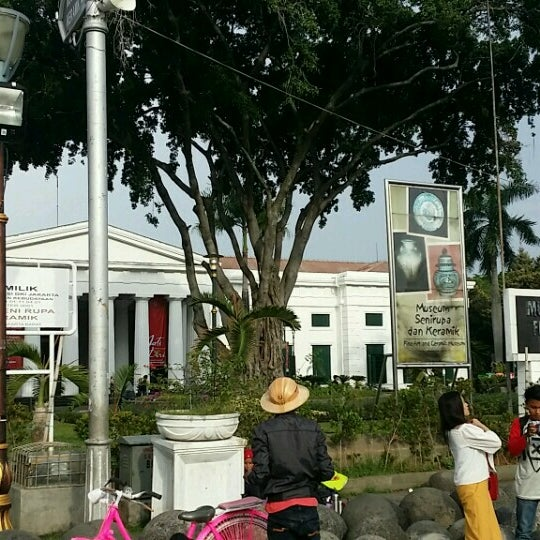 Photo taken at Museum Seni Rupa dan Keramik by Ananda R. on 10/15/2016