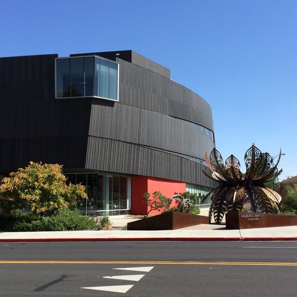 Photo taken at The Nevada Museum of Art by Traverse 3. on 8/23/2014