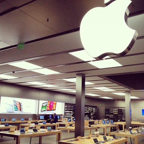 Photo taken at Apple Store, Bellevue Square by John M. on 2/27/2013