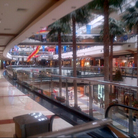 Photo taken at Pondok Indah Mall 2 by Amru H. on 2/8/2014