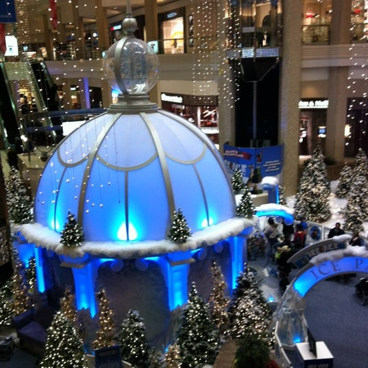 Photo taken at Woodfield Mall by Marta B. on 11/28/2012