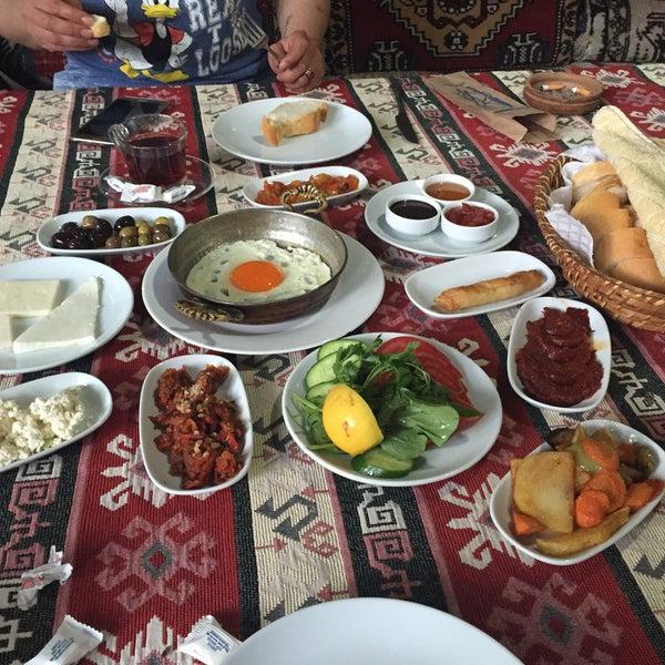 Photo taken at Yavuz'un Yeri by Irem D. on 5/27/2016