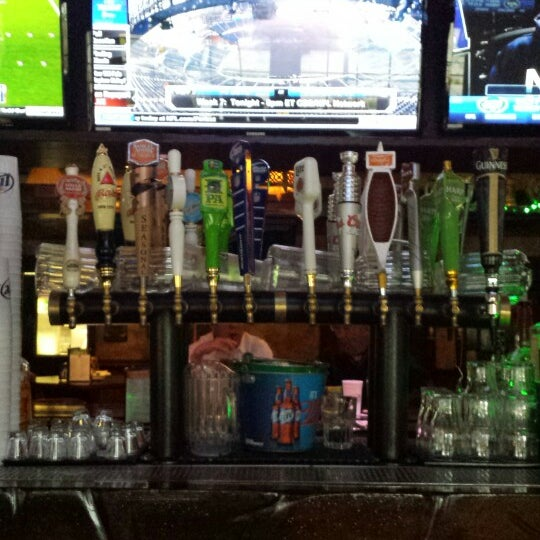 Photo taken at Finn McCool's Irish Sports Pub by JAMES S. on 10/16/2014