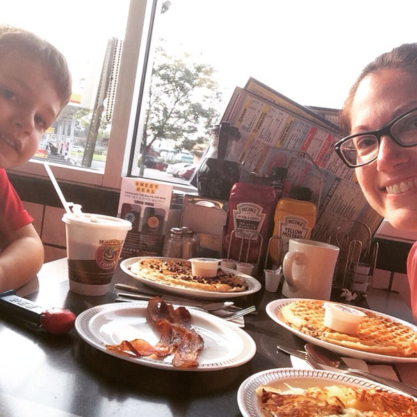 Photo taken at Waffle House by Tara J. on 7/6/2015