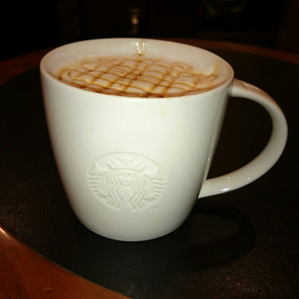 Photo taken at Starbucks Coffee ひたち野うしく店 by Saitologic on 9/28/2014