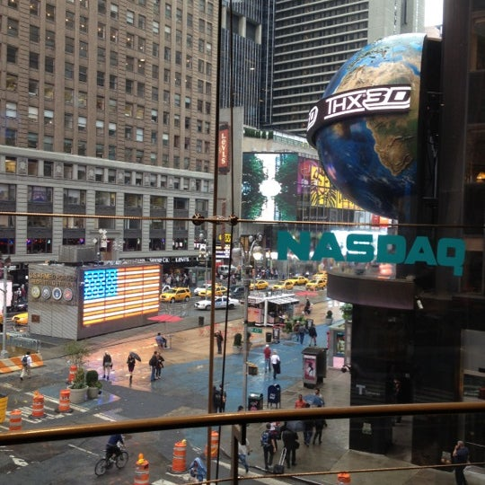 Photo taken at Nasdaq Marketsite by Lijo J. on 10/2/2012