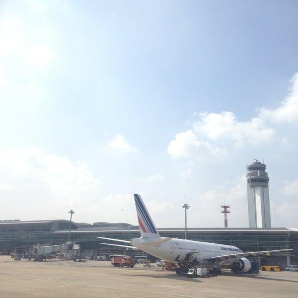 Photo taken at Tan Son Nhat International Airport (SGN) Sân Bay Quốc Tế Tân Sơn Nhất by TonNam S. on 6/26/2013