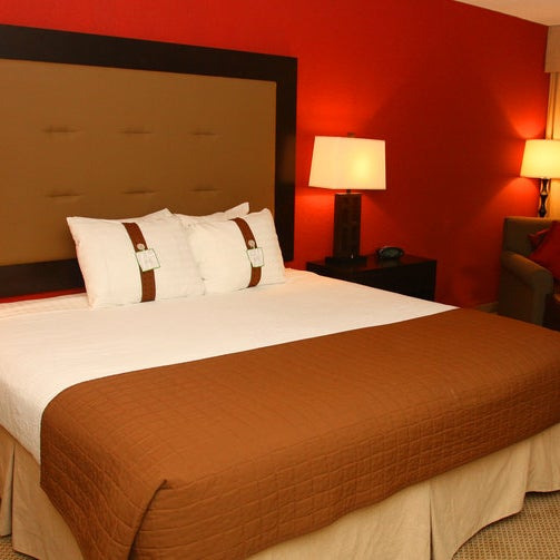 Don Mills Hotel And Suites