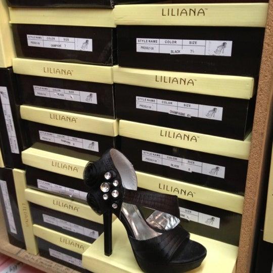 Shoe Store In Deerfield