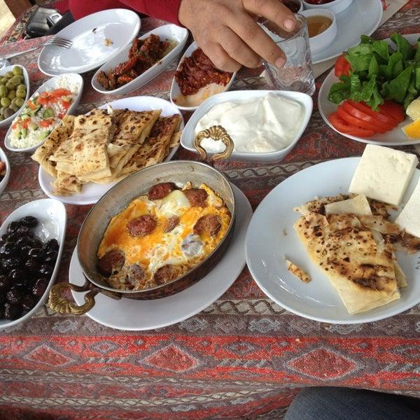 Photo taken at Yavuz'un Yeri by Sinan C. on 3/10/2013