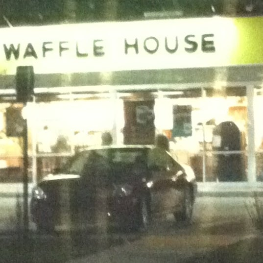 Photo taken at Waffle House by Dee M. on 10/28/2012