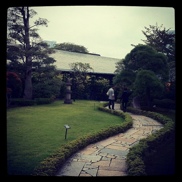 Photo taken at Nezu Museum by Shogo I. on 10/14/2012