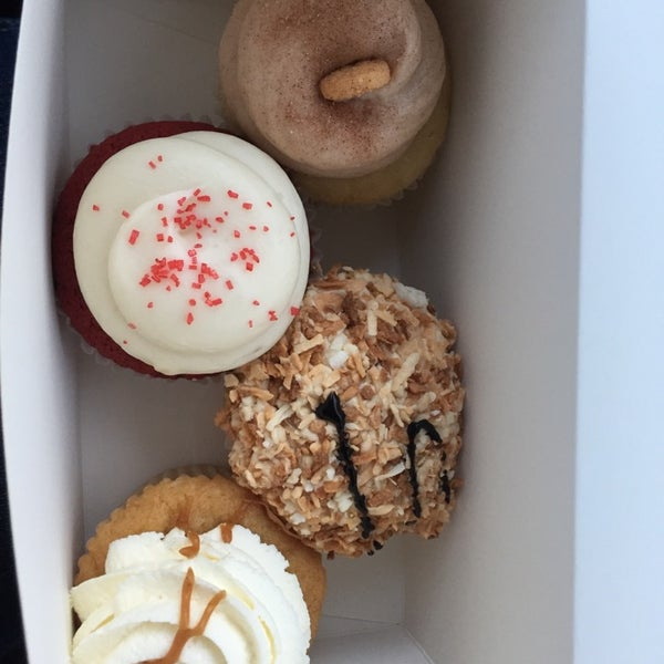 Photo taken at Sift Cupcake & Dessert Bar by Denise on 10/1/2014