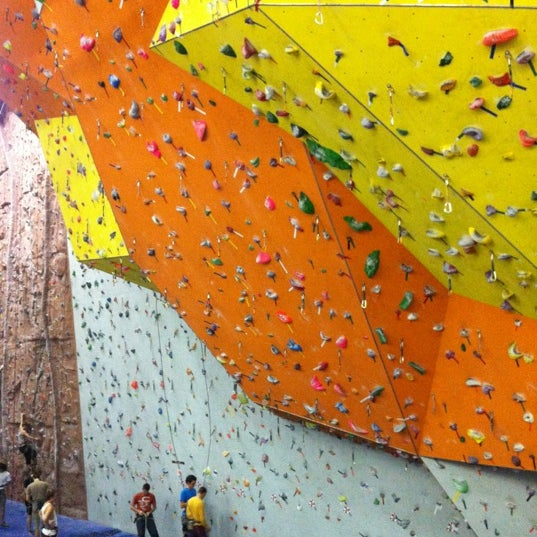 Photo taken at BigWall by Diana Y. on 11/24/2012