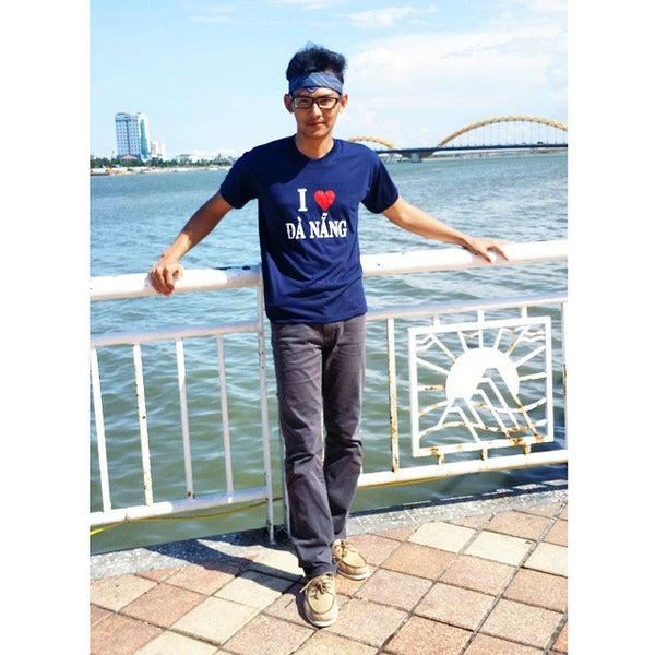 Photo taken at Cầu Sông Hàn (Han River Bridge) by Ahbabta S. on 8/21/2014