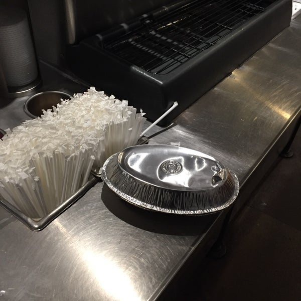 Photo taken at Chipotle Mexican Grill by Pork C. on 2/23/2016