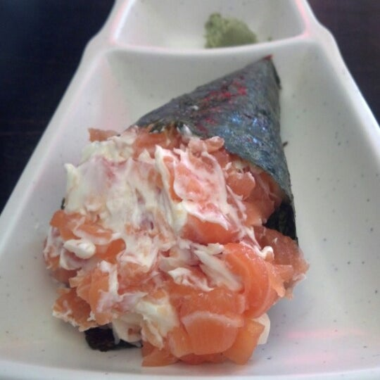 Photo taken at Lins Sushi by Gabriela F. on 10/18/2012