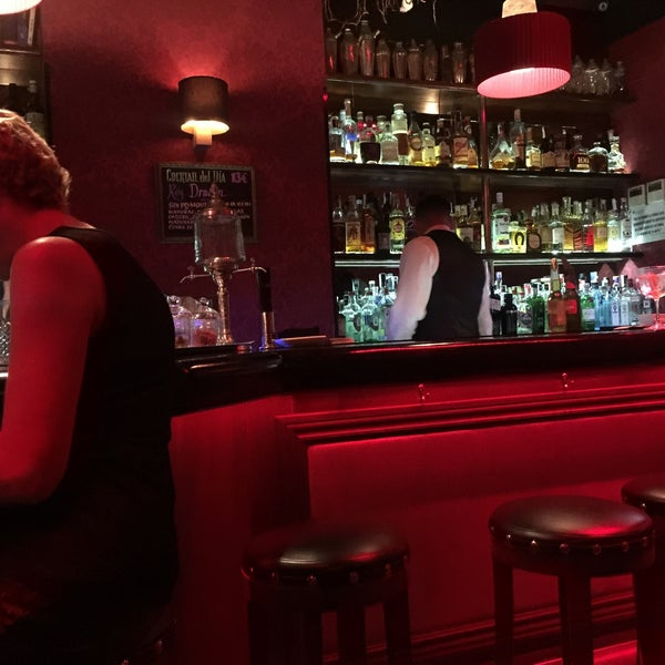 Photo taken at Slow Barcelona Cocktails & Boîte by Eigil M. on 9/1/2016