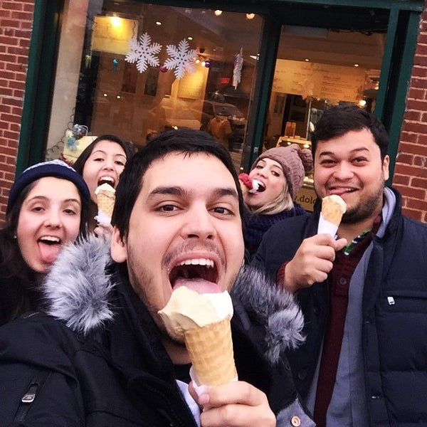 Photo taken at L'Arte Del Gelato by Rafael R. on 1/4/2015