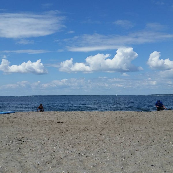 Photo taken at Foster Memorial Beach (Long Beach) by Paul I. on 8/9/2015