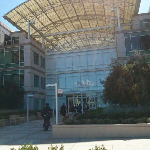 Photo taken at Apple Inc. by Wouter G. on 6/17/2013