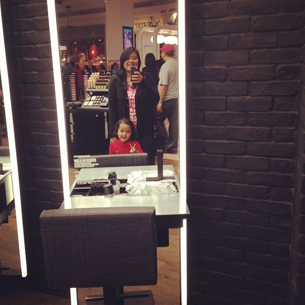 Photo taken at MAC Cosmetics by shafa s. on 1/11/2014