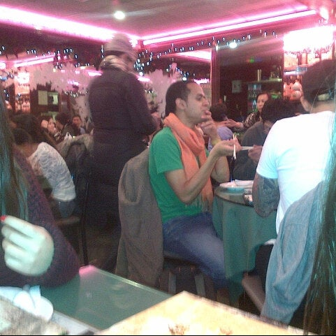 Photo taken at Joe's Ginger 锦江饭店 by Paul H. on 12/31/2012