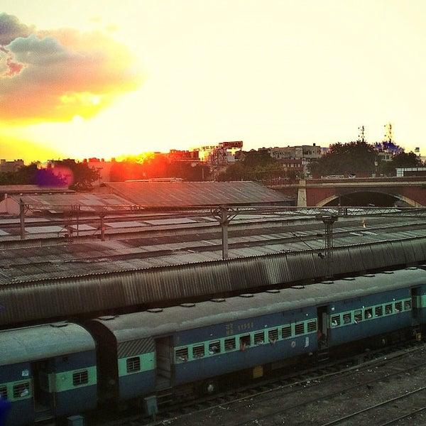 Photo taken at New Delhi Railway Station (NDLS) by Felio on 9/21/2012