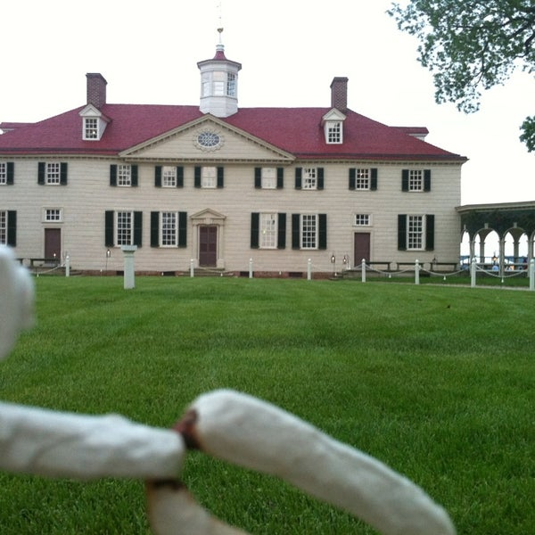 Photo taken at George Washington's Mount Vernon Estate, Museum & Gardens by Charise V. on 5/20/2013