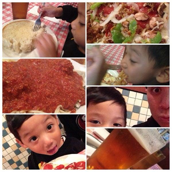 Photo taken at Milano Pizzeria by LeO S. on 11/11/2012