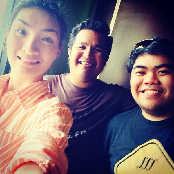 Photo taken at Aloha Kitchen by Creiz Eleinne S. on 7/18/2014