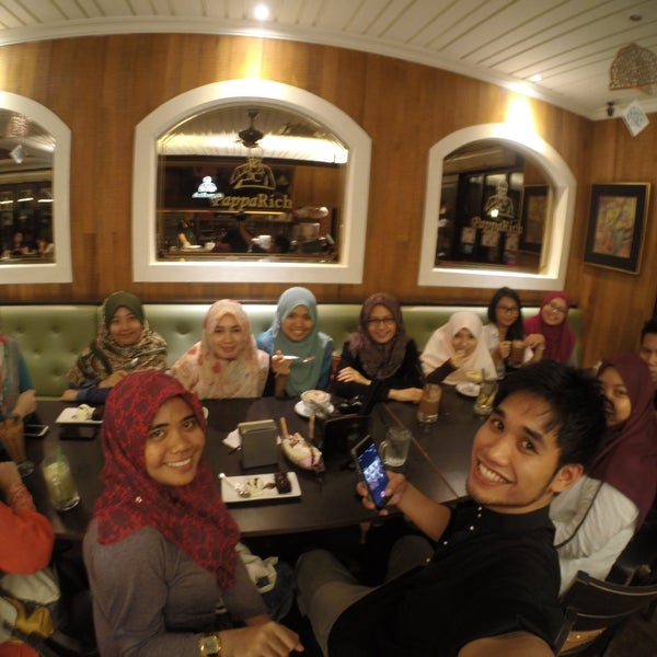 Photo taken at PappaRich by Abdullah I. on 7/13/2015