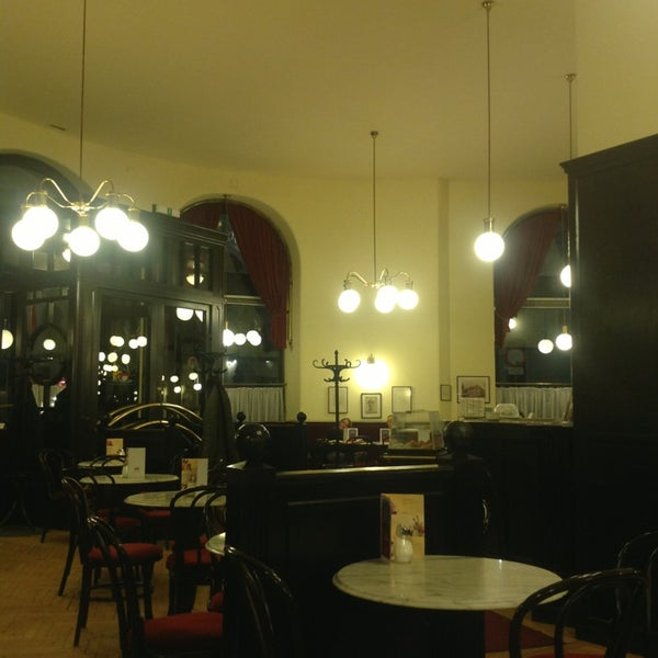 Photo taken at Cafe-Restaurant Griensteidl by Alejandro T. on 3/18/2013