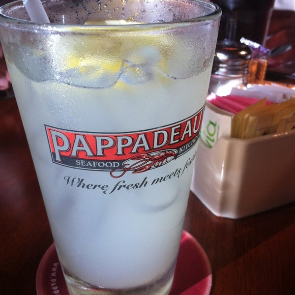 Photo taken at Pappadeaux Seafood Kitchen by Abel T. on 6/6/2013