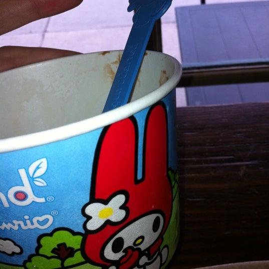 Photo taken at Yogurtland by Alisa B. on 8/11/2011