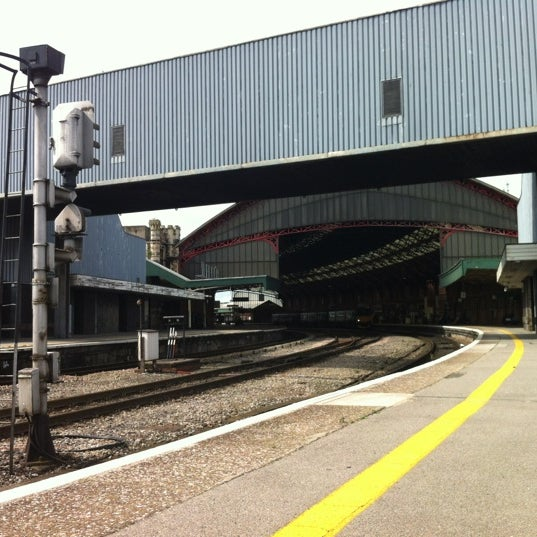 Photo taken at Platform 3 by James L. on 6/23/2012