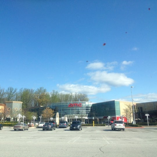 Photo taken at AMC Columbia 14 by Fahad A. on 3/29/2012