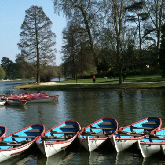 Photo taken at Lac Daumesnil by Laurent M. on 3/29/2012