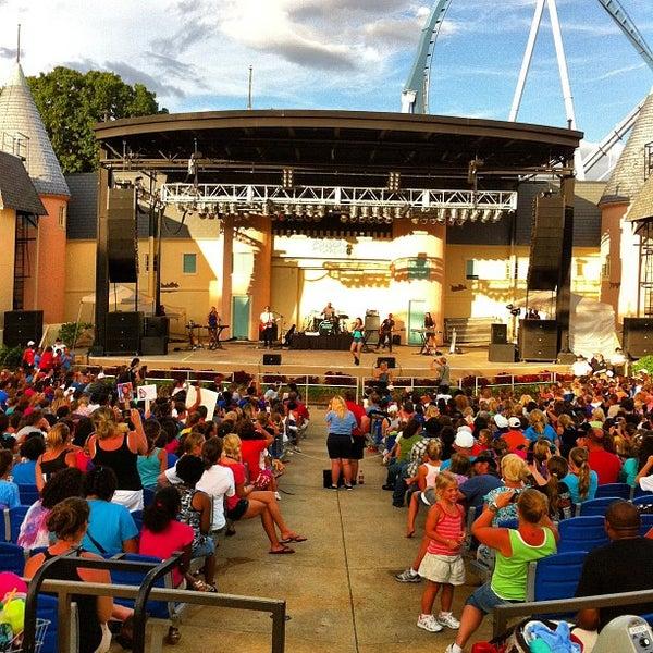 Photo taken at Busch Gardens Williamsburg by Heriel Jude on 8/27/2012