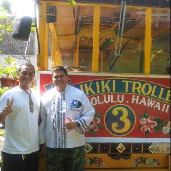 Photo taken at Aloha Aina Chef Dimas -Refined Hawaiian Cuisine by Chef Dimas Soeyono. by Grady N. on 5/24/2012