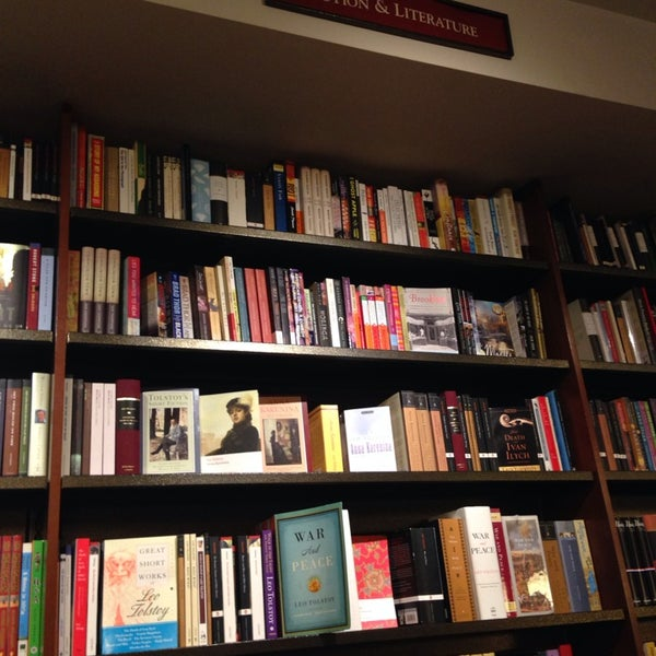 Photo taken at Harvard Coop Society Bookstore by Kay on 3/25/2014