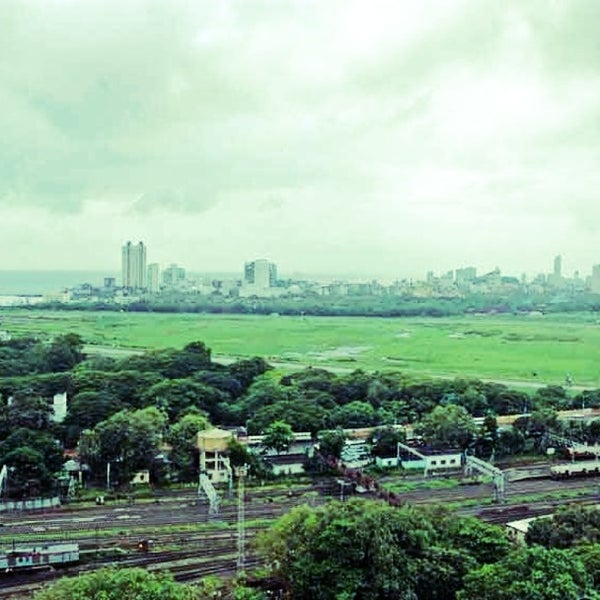 It was originally donated by Sir Cusrow N Wadia and today it is on lease from the Municipal Corporation of Greater Mumbai (MCGM) to Royal Western India Turf Club which runs the racecourse.