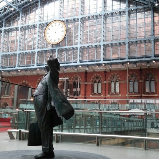 Photo taken at London St Pancras International Railway Station (STP) by Gonçalo F. on 3/7/2014