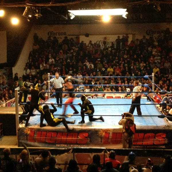 Photo taken at Arena Adolfo Lopez Mateos by atir on 1/20/2013
