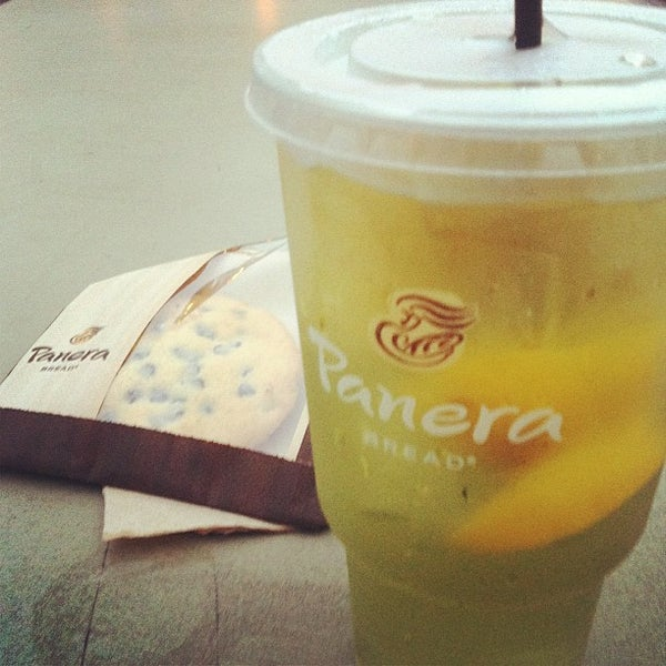 Photo taken at Panera Bread by Ronnie D. on 10/2/2012